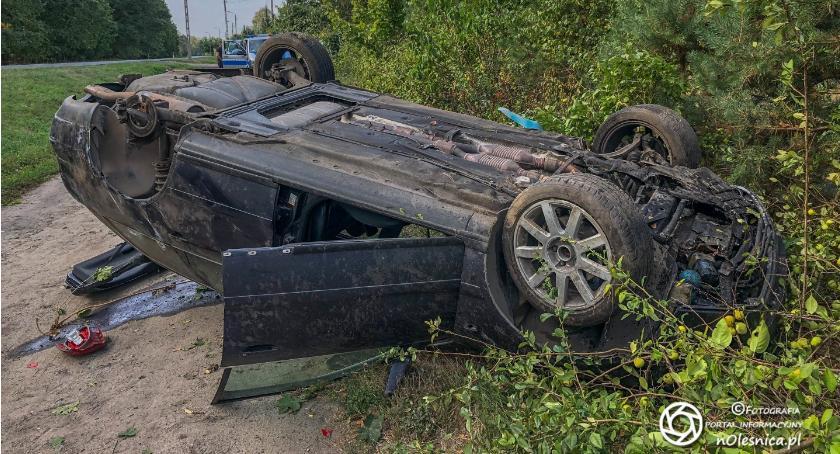 Na sygnale, Zderzenie dwóch osobówek ciężarówki Sokołowicach - zdjęcie, fotografia