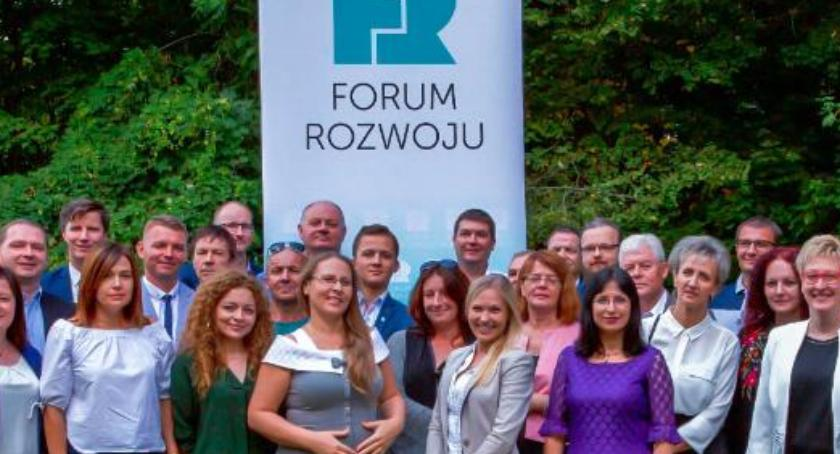 Wybory, Lista kandydatów Powiatu Forum Rozwoju - zdjęcie, fotografia