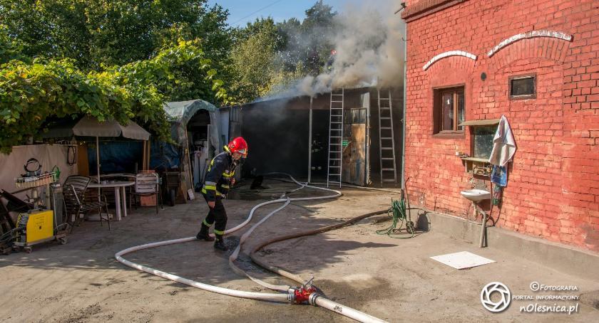 Na sygnale, Pożar garażu Kruczej ogniu butla acetylenem - zdjęcie, fotografia