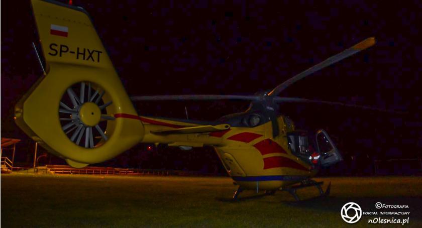 Na sygnale, Śmigłowiec znów ląduje razem transport medyczny - zdjęcie, fotografia