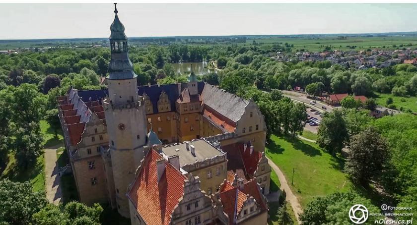 Wydarzenia, Zamek udostępnia wieżę zwiedzających - zdjęcie, fotografia