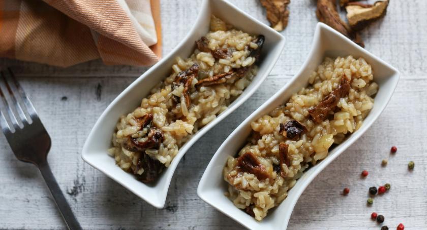 Zdrowie, Kuchnia blisko natury Przepis aromatyczne risotto borowikami parmezanem - zdjęcie, fotografia