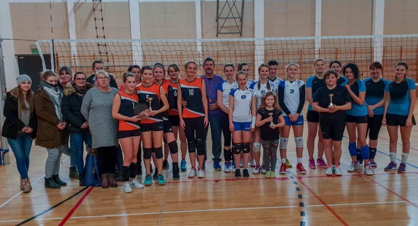 Sport, Rozegrano turnieje puchar Świątecznego Karpia - zdjęcie, fotografia