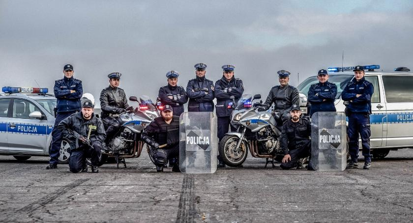 Wydarzenia, Kalendarz oleśnickimi policjantami - zdjęcie, fotografia