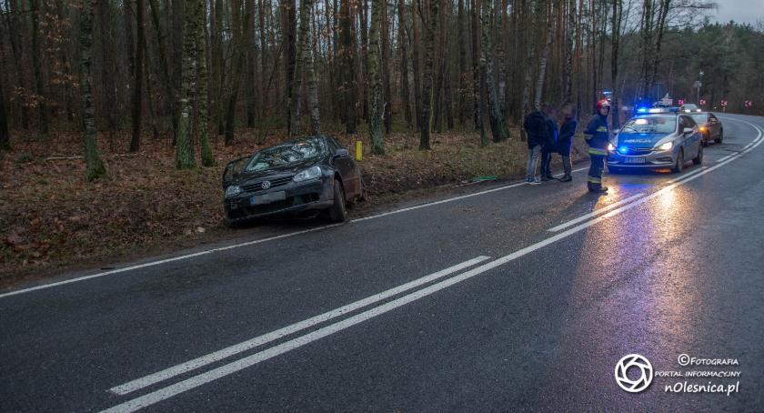 Na sygnale, wpadł koło Ostrowiny - zdjęcie, fotografia