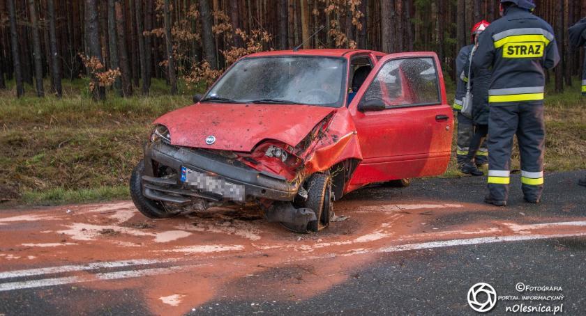Na sygnale, Wypadek Fiata koło Miodar - zdjęcie, fotografia