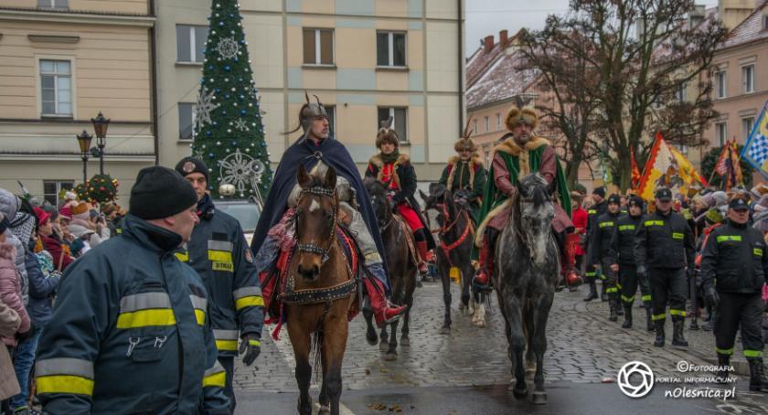 Wydarzenia, Orszak Trzech Króli siódmy ulicach Oleśnicy - zdjęcie, fotografia