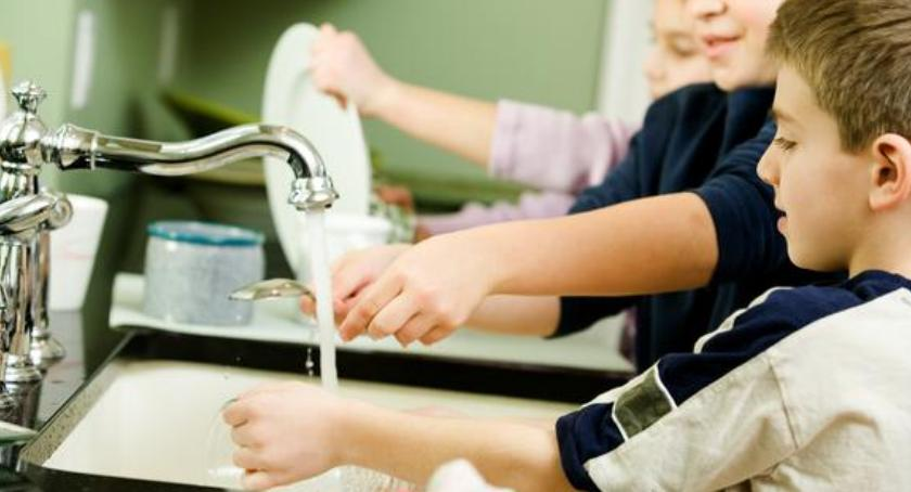 Wydarzenia, Dzieci świecie obowiązków domowych spotkanie rodziców - zdjęcie, fotografia