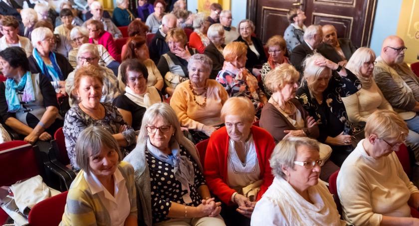 Zdrowie, Bezpłatne badania kości mieszkańców Oleśnicy - zdjęcie, fotografia