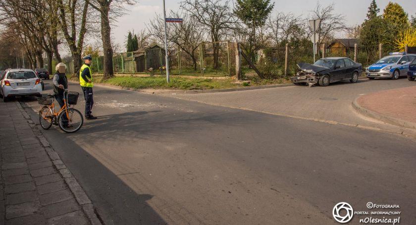 Na sygnale, Kolizja nauką jazdy - zdjęcie, fotografia