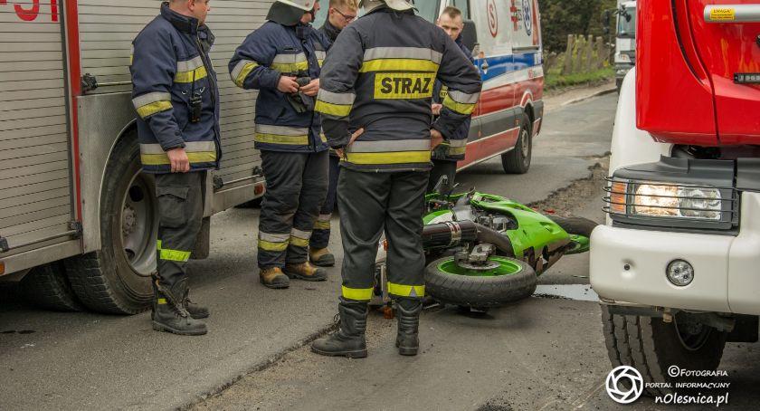 Na sygnale, Wypadek motocyklisty Bierutowie - zdjęcie, fotografia