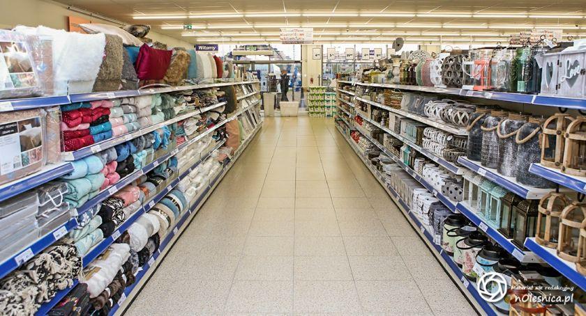 Wydarzenia, Action sklep otwiera Oleśnicy - zdjęcie, fotografia