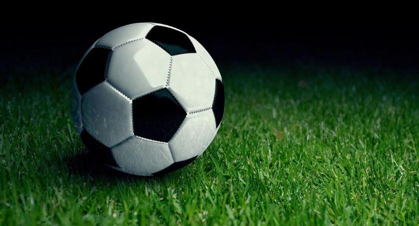 Piłka Nożna, Mistrzostwa Gminy Oleśnica piłce nożnej seniorów ciąg dalszy - zdjęcie, fotografia