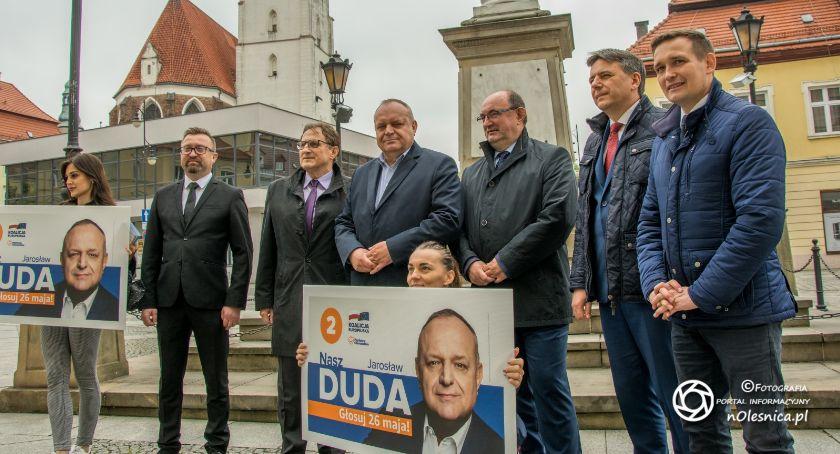 Wydarzenia, Kandydat Jarosław spotyka mieszkańcami Oleśnicy - zdjęcie, fotografia