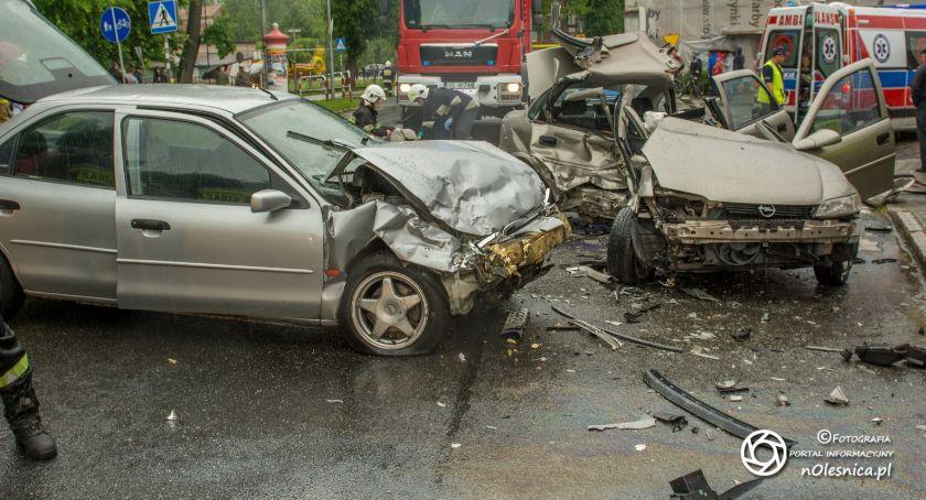Na sygnale, Smiertelny wypadek Bierutowie kierowca nietrzeźwy pasażer żyje - zdjęcie, fotografia