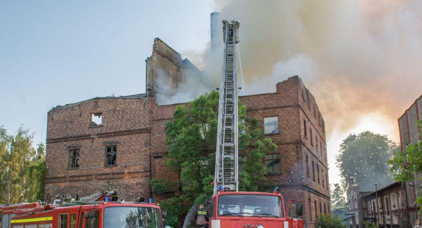 Na sygnale, Kolejny duży pożar Bierutowie miejscu zastępów kolejne drodze VIDEO - zdjęcie, fotografia
