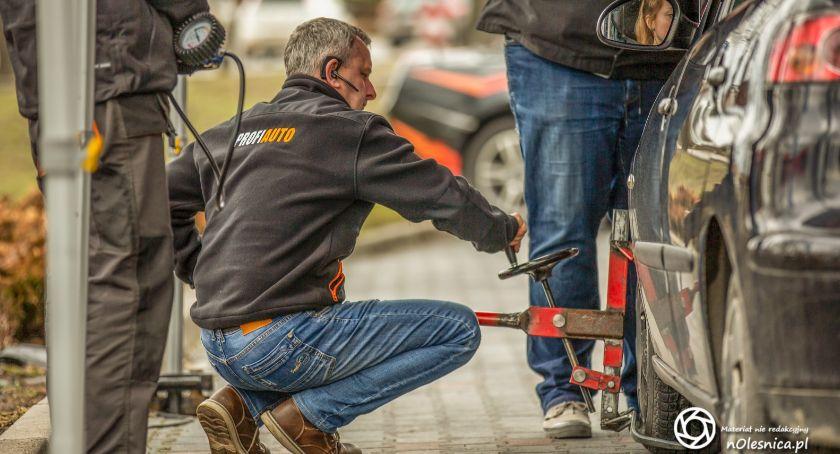 Motoryzacja, PitStop Oleśnicy darmo sprawdzisz techniczny swojego - zdjęcie, fotografia