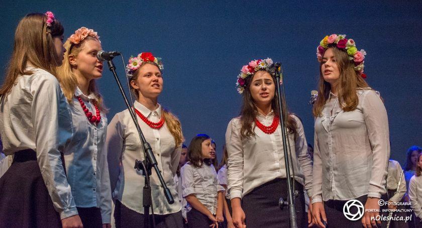 Wydarzenia, Koncert charytatywny oleśnickich uczniów - zdjęcie, fotografia