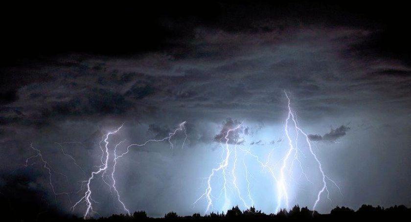 Wydarzenia, Ostrzeżenie meteo możliwe burze - zdjęcie, fotografia
