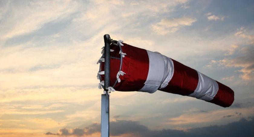 Wydarzenia, Ostrzeżenie meteo możliwe silne wiatry - zdjęcie, fotografia