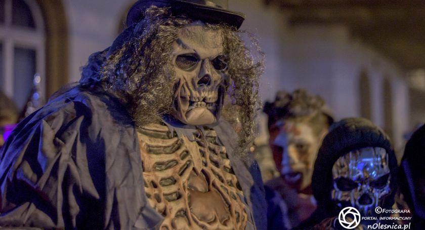 Wydarzenia, Halloween dworcu kolejowym rynku - zdjęcie, fotografia