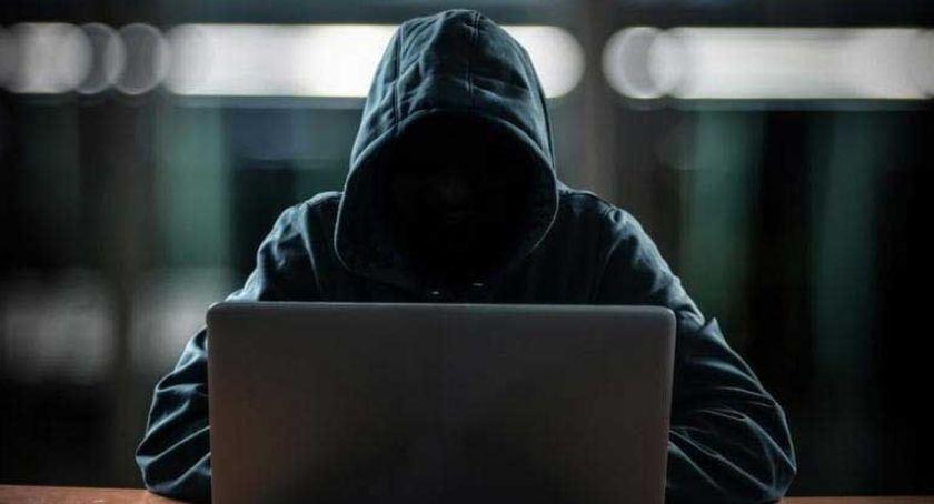Na sygnale, Robisz zakupy sieci Uważaj internetowych oszustów - zdjęcie, fotografia