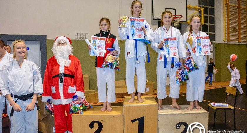 Sport, Sukcesy Hikari dwóch turniejach - zdjęcie, fotografia