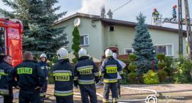 Zawidowice - 7 zastępów straży i pożar dachu - VIDEO