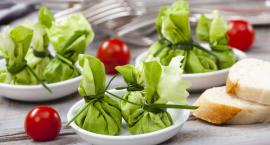 Przepis na zielone kieszonki z wędzonym twarogiem i pastą z pestkami słonecznika, ogórkiem i koperki