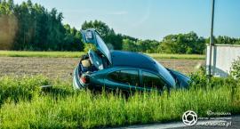 Auto w rowie - czy prowadził je policjant?