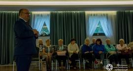 Spotkanie kandydata na burmistrza Jana Bronsia z seniorami
