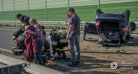 Dachowanie na trasie S8 - dwie osoby poszkodowane