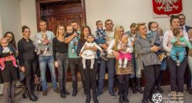 Nowi mieszkańcy gminy z wizytą w wójta - FOTO