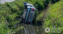 VW Bora w rzece - VIDEO