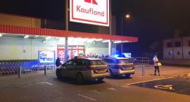 Ewakuacja w Kauflandzie - podejrzenie umieszczenia ładunku pirotechnicznego