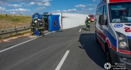 Na trasie S8 wywróciła się ciężarówka - droga jest zablokowana