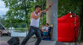 Tomasz Niecik wystąpił na scenie oleśnickiego amfiteatru - VIDEO