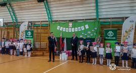 Apel i pasowanie uczniów w SP w Ligocie Polskiej