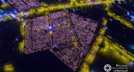 Oleśnickie cmentarze nocą - FOTO