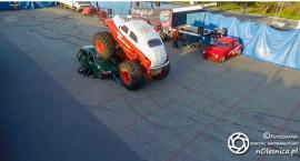 Kaskaderzy w Monster Truckach