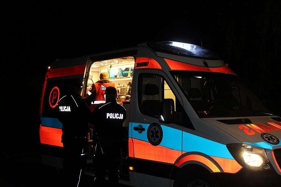 Wypadki drogowe, Autobus najechał fiata Kierowca szpitalu - zdjęcie, fotografia