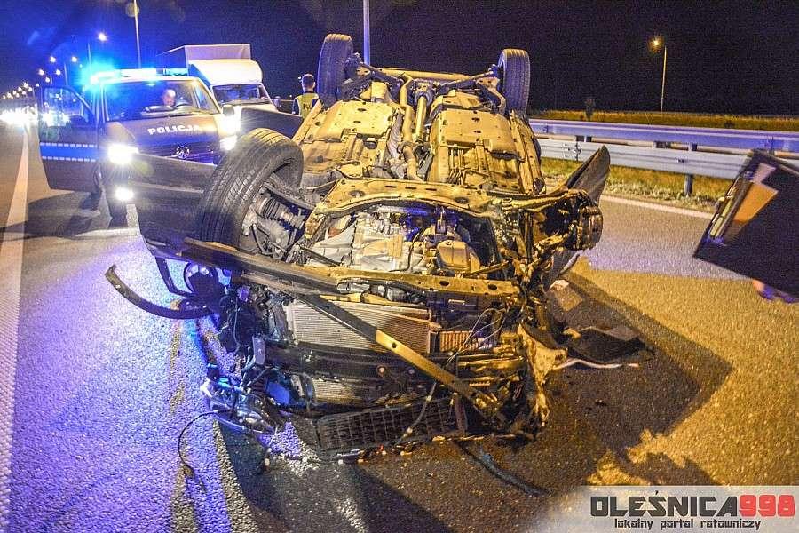 Wypadki drogowe, Dachowanie trasie - zdjęcie, fotografia