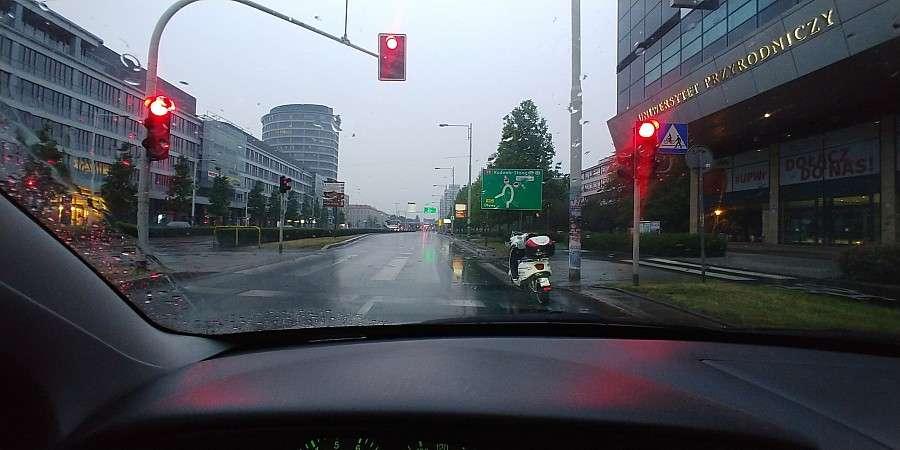 Z ostatniej chwili, Zaparkował skuter centrum Wrocławia - zdjęcie, fotografia
