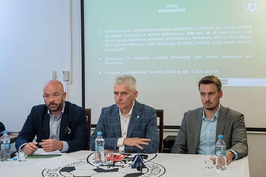 Piłka nożna, Miasto dofinansuje wrocławskie kluby piłkarskie niższych - zdjęcie, fotografia