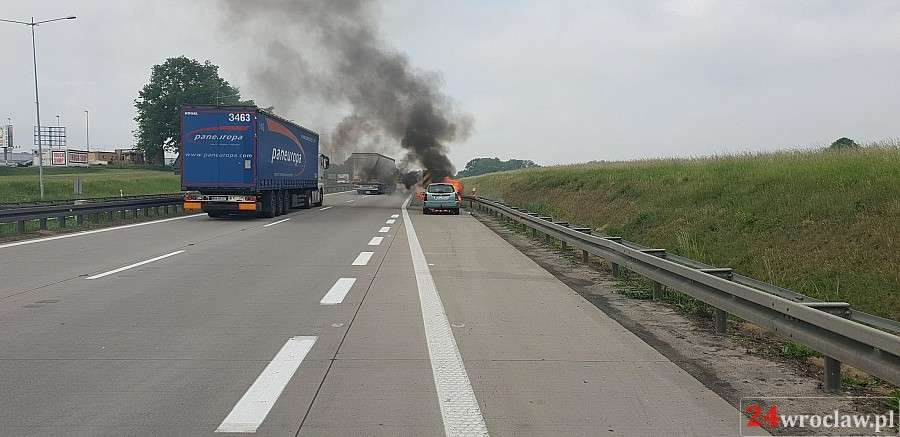 24wroclaw, Pożar autostradzie - zdjęcie, fotografia