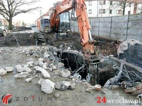 24wroclaw, Wyburzanie poniemieckiego schronu - zdjęcie, fotografia