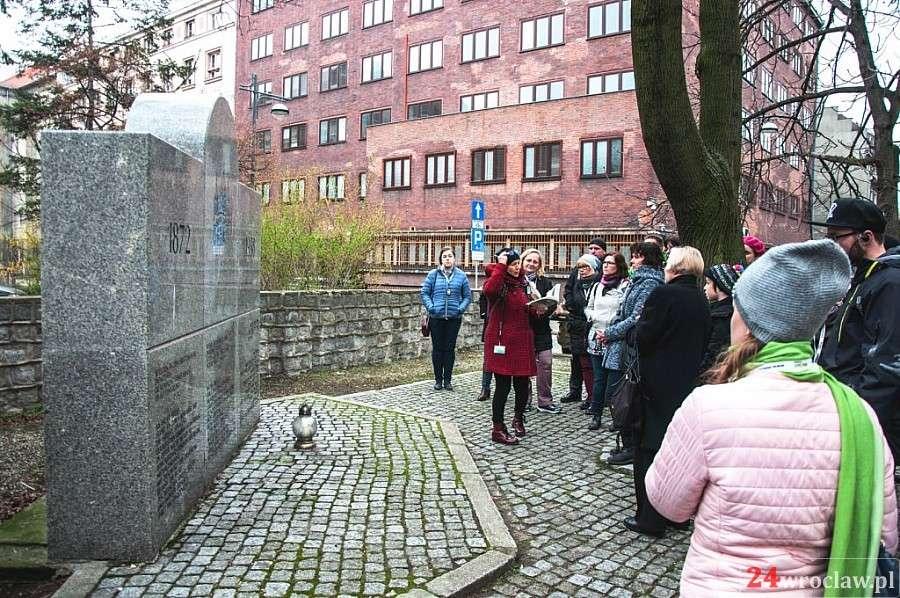 Event, Śladami wrocławskich Żydów spacer przewodnikiem - zdjęcie, fotografia