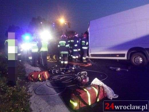 Wypadki drogowe, Czołowe zderzenie kombajnem rolniczym Kierowca ciężkim stanie - zdjęcie, fotografia