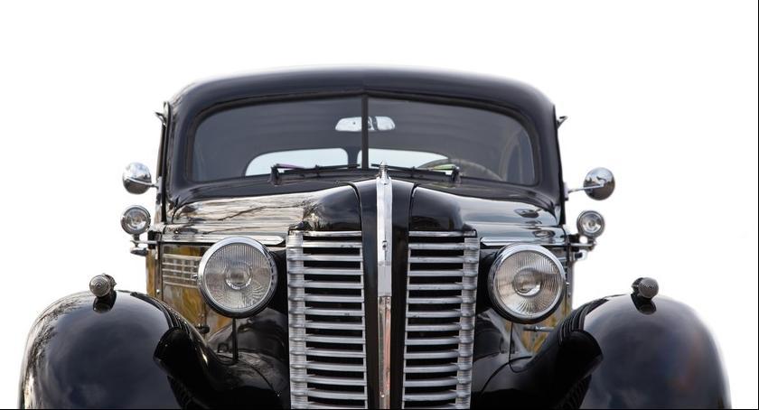 Biznes, Ubezpieczenie starego samochodu wcale drogie - zdjęcie, fotografia