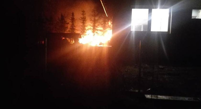 Pożary, Podczas pożaru eksplodowała butla gazem - zdjęcie, fotografia